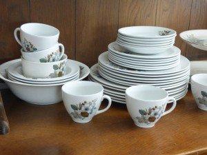 pottery dinner plate