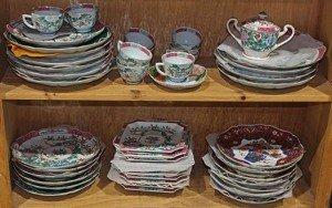 porcelain dinner wear