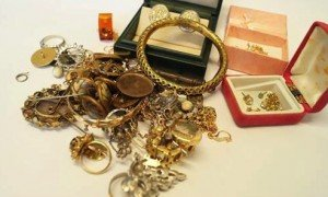 quantity of jewellery