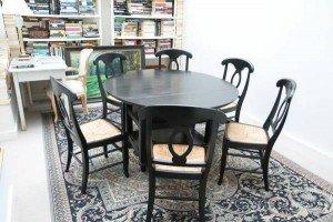 girdle dining table
