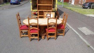 oval vintage dining table,