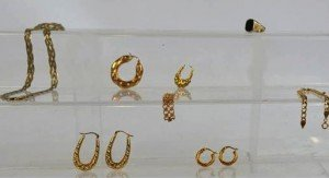 9 carat gold items