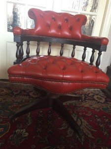 Chesterfield spin chair