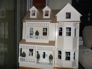 plastic dolls house