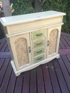 cabinet jewellery box