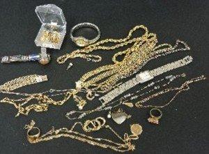 9 carat gold tiger's eye signet ring