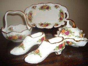porcelain vanity set