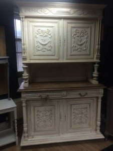 French kitchen dresser