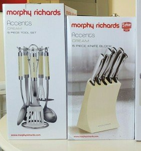 cream knife block