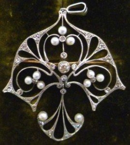 pendants brooch