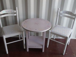 children's dining table