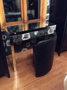 console dresser
