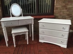bedroom furniture set,