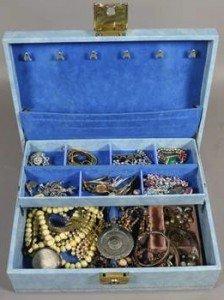 cantilever jewellery box