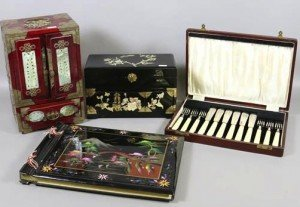 A lacquered jewellery box