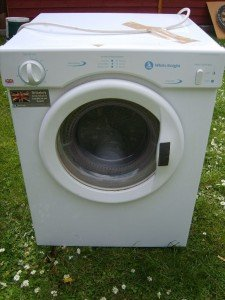 3 kg tumble dryer white night with hose.