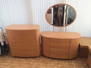 oval mirror dressing table