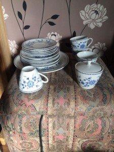 seventeen piece part dinner/ tea set