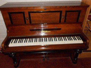 oak piano