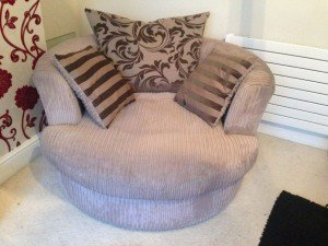 round swivel armchair