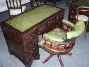 mahogany vintage desk