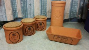 pottery kitchen items