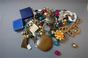 vintage dress jewellery