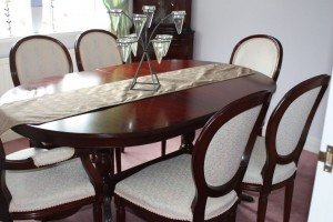 extendable oval dining table