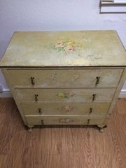 chest of four drawers