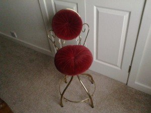 boudoir vanity dresser chair