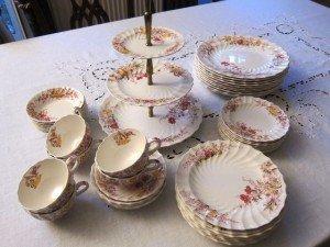 porcelain dinner service