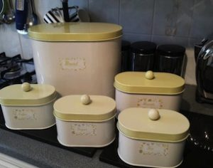 kitchen canisters,